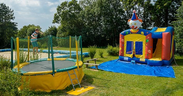 trampoline exterieur du camping